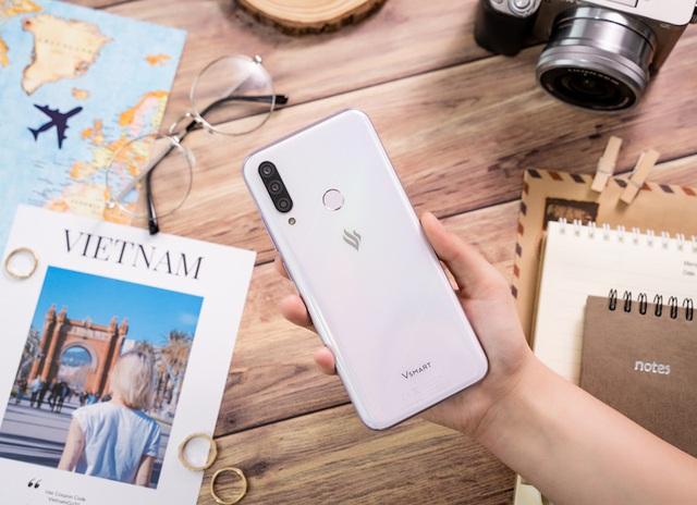 Cộng đồng quốc tế hào hứng với điện thoại Vsmart Aris 5G Make in Vietnam - ảnh 2