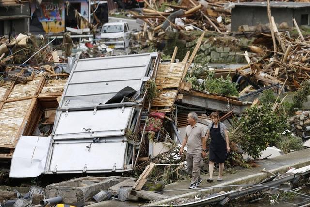Mưa lũ kỷ lục tại Nhật Bản: Số nạn nhân thiệt mạng tăng lên 59 người - Ảnh 1.