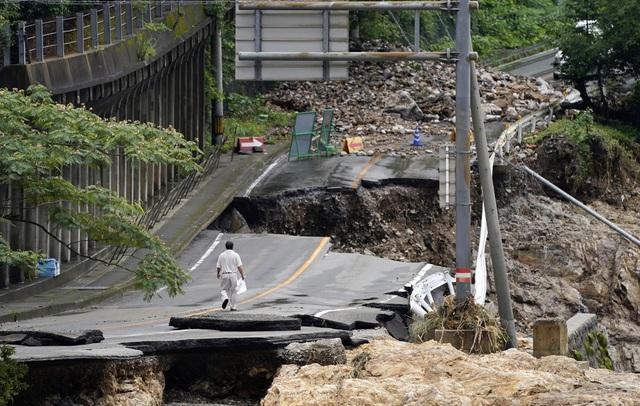 Mưa lũ kỷ lục tại Nhật Bản: Số nạn nhân thiệt mạng tăng lên 59 người - Ảnh 2.