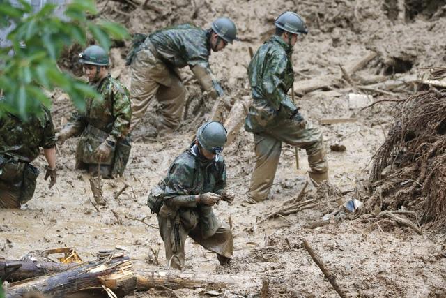 Mưa lũ kỷ lục tại Nhật Bản: Số nạn nhân thiệt mạng tăng lên 59 người - Ảnh 3.
