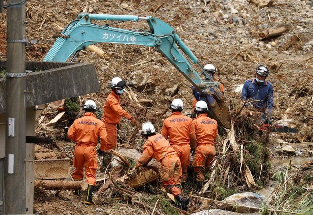 Mưa lũ kỷ lục tại Nhật Bản: Số nạn nhân thiệt mạng tăng lên 59 người - Ảnh 5.