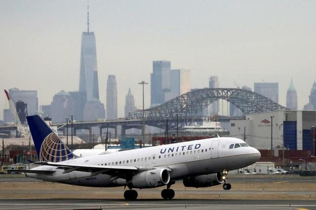 United Airlines cảnh báo khả năng sa thải 36.000 nhân viên - Ảnh 1.