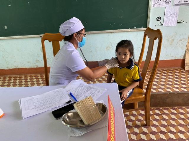Phát động Chiến dịch tiêm vaccine phòng chống dịch bạch hầu tại 4 tỉnh Tây Nguyên - Ảnh 2.