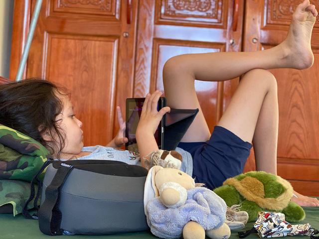 Diva Hồng Nhung và 2 con đang ở khu cách ly Quảng Ninh: Một trải nghiệm quý báu - Ảnh 2.