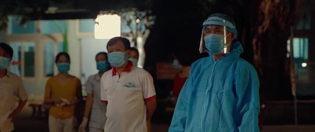 Xót xa và cảm phục Đà Nẵng trong đoạn phim ngắn chống chọi với COVID-19 - Ảnh 1.