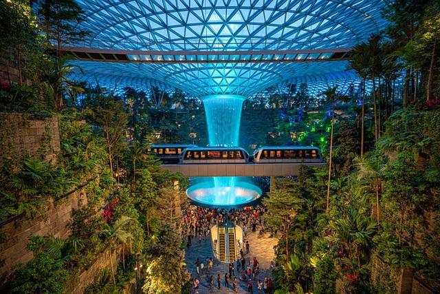 """Singapore dùng thiết bị điện tử để """"giám sát"""" du khách - ảnh 1"""
