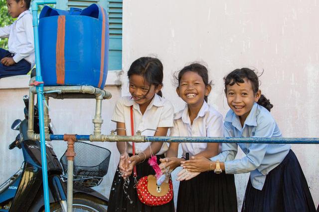 Trên 800 triệu trẻ em thiếu các phương tiện rửa tay cơ bản tại trường học - Ảnh 1.