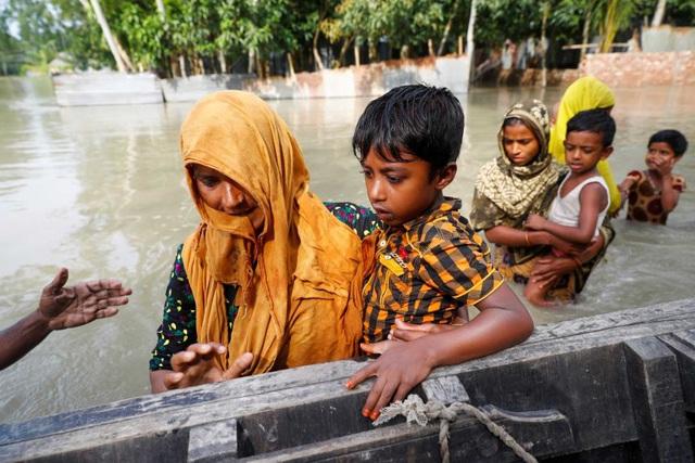 Lũ lụt nghiêm trọng tại Bangladesh, ít nhất 161 người thiệt mạng - Ảnh 2.