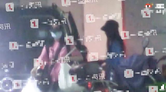 Dương Mịch và Ngụy Đại Huân bị bắt gặp mặc đồ đôi hẹn hò - Ảnh 3.