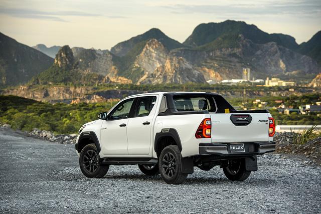 Toyota Hilux 2020 ra mắt với giá hơn 600 triệu đồng - Ảnh 3.