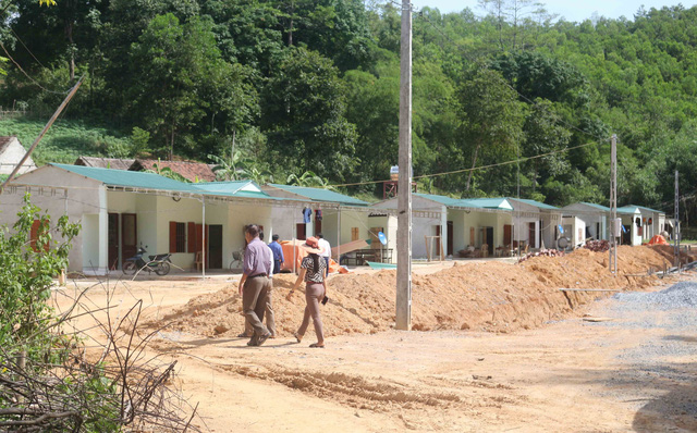 Người dân làng chài có nhà mới sau nhiều năm mong mỏi - Ảnh 1.
