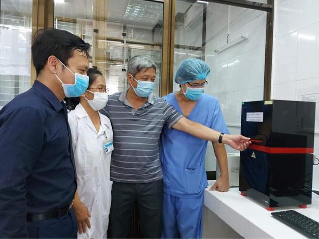 Bệnh viện C Đà Nẵng xét nghiệm khẳng định virus SARS-CoV-2 - Ảnh 1.