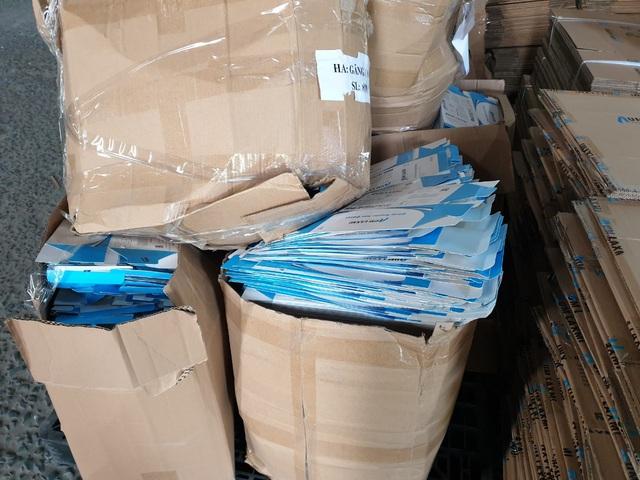 Bình Dương: Phát hiện trên 2 triệu chiếc găng tay y tế tái chế sắp tuồn ra thị trường - Ảnh 1.