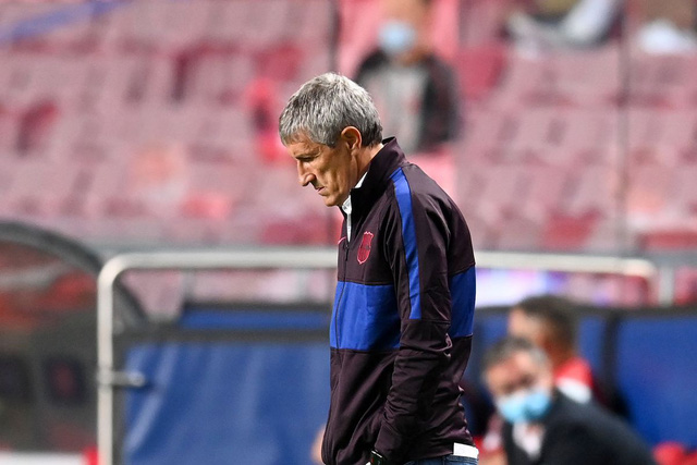 HLV Ronald Koeman chưa thể dẫn dắt Barcelona tại La Liga - Ảnh 1.