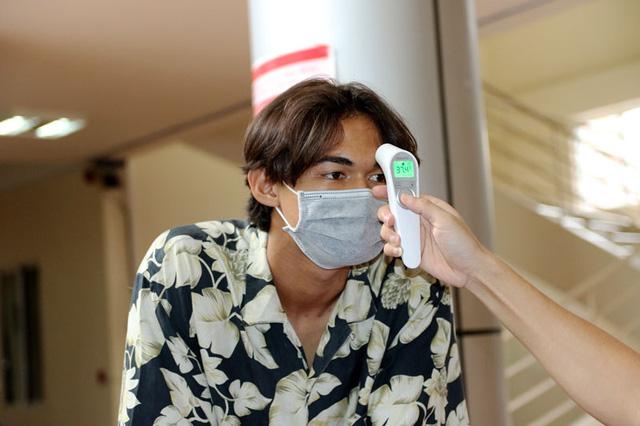 ĐT U22 Việt Nam nghiêm túc thực hiện kiểm tra y tế trong ngày hội quân - Ảnh 2.