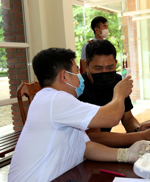 ĐT U22 Việt Nam nghiêm túc thực hiện kiểm tra y tế trong ngày hội quân - Ảnh 13.