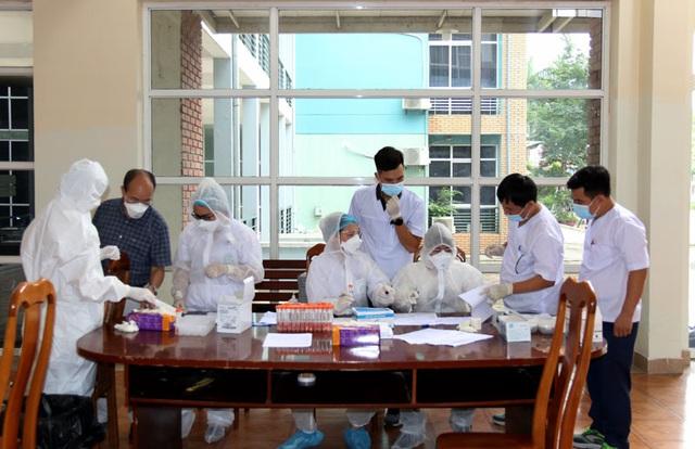 ĐT U22 Việt Nam nghiêm túc thực hiện kiểm tra y tế trong ngày hội quân - Ảnh 16.