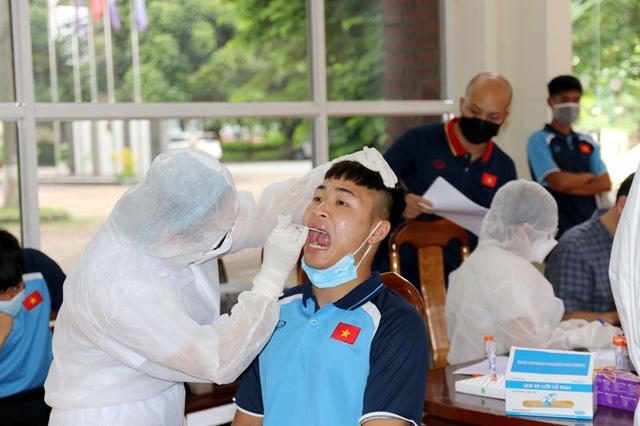 ĐT U22 Việt Nam nghiêm túc thực hiện kiểm tra y tế trong ngày hội quân - Ảnh 23.