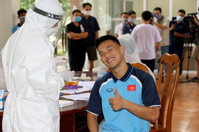 ĐT U22 Việt Nam nghiêm túc thực hiện kiểm tra y tế trong ngày hội quân - Ảnh 24.