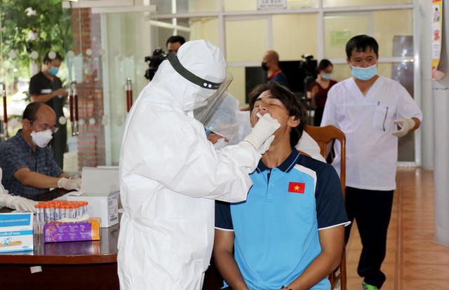 ĐT U22 Việt Nam nghiêm túc thực hiện kiểm tra y tế trong ngày hội quân - Ảnh 28.