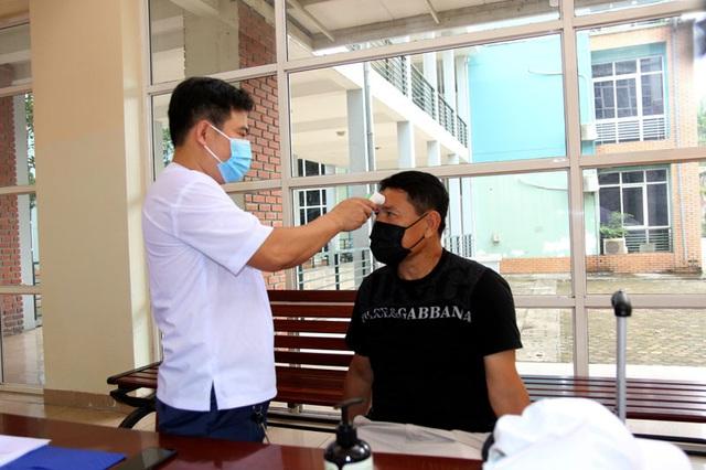 ĐT U22 Việt Nam nghiêm túc thực hiện kiểm tra y tế trong ngày hội quân - Ảnh 5.