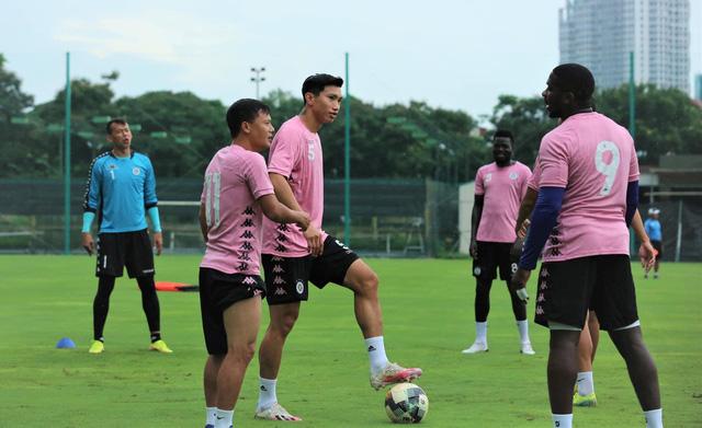 Đoàn Văn Hậu trở lại tập luyện cùng CLB Hà Nội - Ảnh 4.