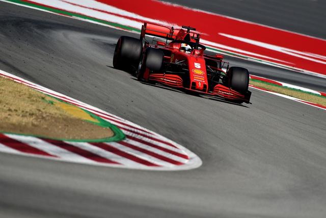 Hamilton vượt qua huyền thoại Schumacher về số lần giành podium - Ảnh 4.