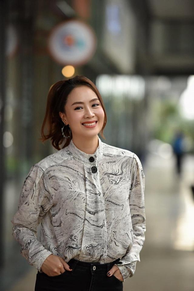 Hồng Diễm: Nguồn cảm hứng tuyệt vời cho những cô nàng công sở - Ảnh 7.