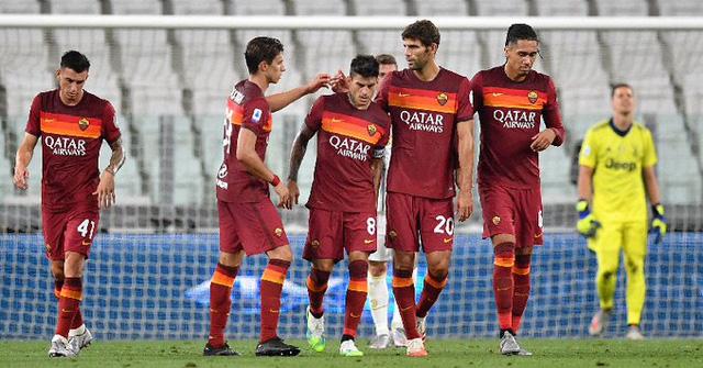 Juventus 1-3 AS Roma: Thất bại trong ngày nâng cúp (Vòng 38 Serie A) - Ảnh 1.