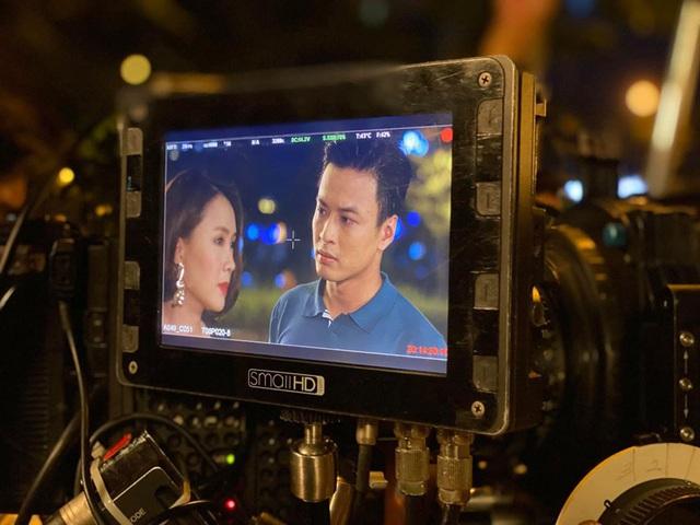 Chờ đợi mãi, cuối cùng Hồng Diễm và Hồng Đăng đã lộ ảnh bên nhau trong phim mới - Ảnh 1.