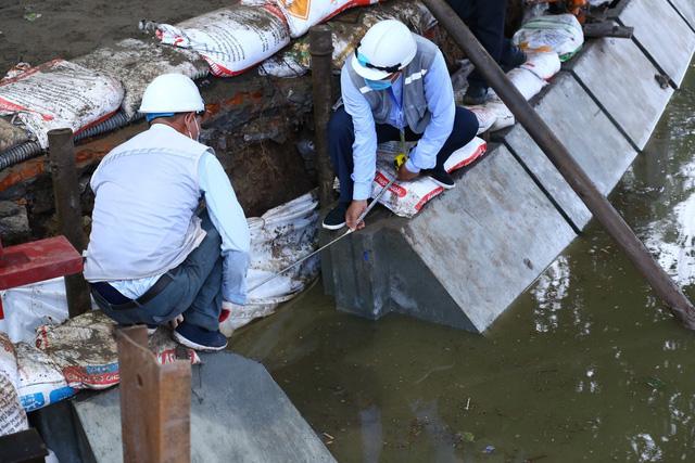 Hoàn thành công trình kè hồ Hoàn Kiếm sau 65 ngày thi công - Ảnh 2.