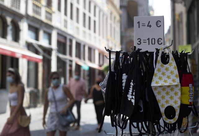 Ban bố cảnh báo đỏ về mức độ lây nhiễm COVID-19 tại thủ đô Bỉ - Ảnh 1.