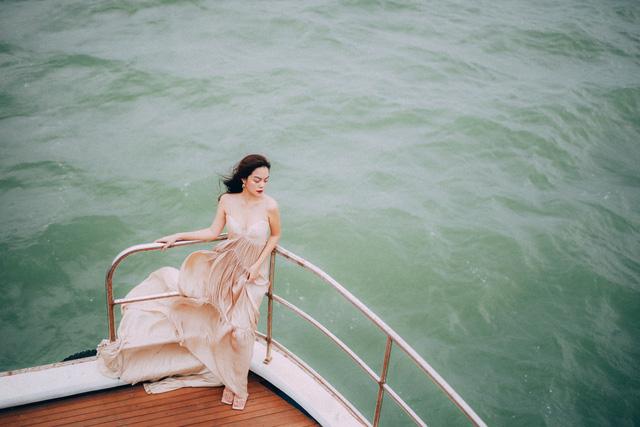 Ra mắt sản phẩm âm nhạc mới, Phạm Quỳnh Anh tung bộ ảnh siêu xinh và lãng mạn - Ảnh 1.