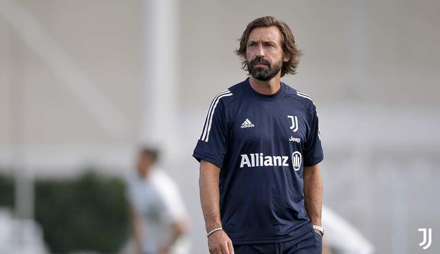 HLV Pirlo cực ngầu trong buổi tập đầu tiên cùng các học trò tại Juventus - Ảnh 1.