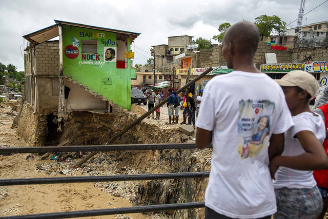 Bão Laura càn quét Haiti, Dominica và Puerto Rico khiến hàng chục người thiệt mạng - Ảnh 2.