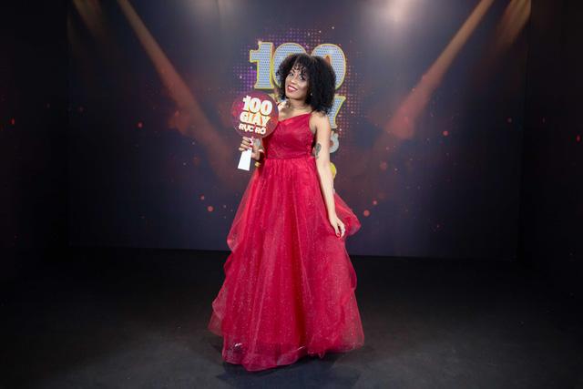 Cô gái đến từ Cuba gây tò mò khi hóa thân giống diva Whitney Houston ngay trên sân khấu Việt - Ảnh 2.