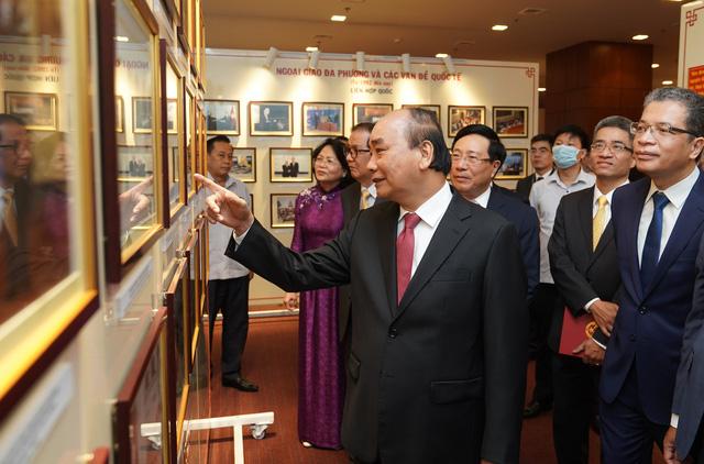 Đồng lòng, đồng sức để tiếng chiêng ngoại giao Việt Nam mạnh mẽ, vang xa - Ảnh 1.