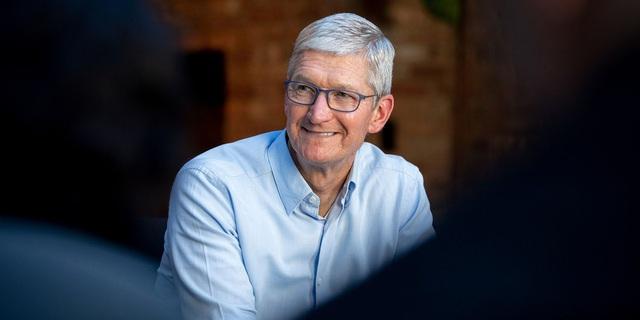 Tim Cook nhận hơn 278 triệu USD tiền thưởng từ Apple - Ảnh 1.
