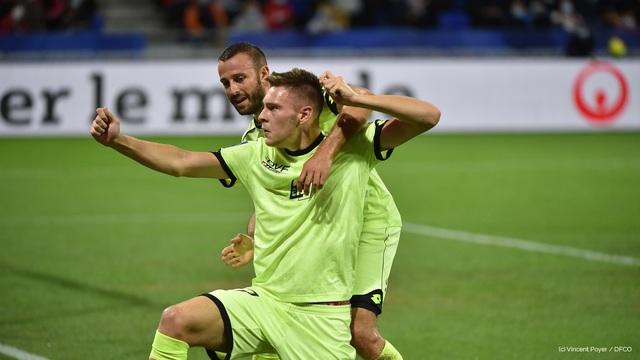 Lyon 4-1 Dijon: Memphis Depay lập hat-trick, Lyon ngược dòng thắng tưng bừng - Ảnh 1.