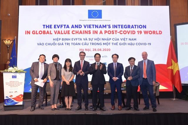 Doanh nghiệp Việt cần tham gia sâu vào chuỗi cung ứng toàn cầu về Công nghiệp hỗ trợ - Ảnh 2.