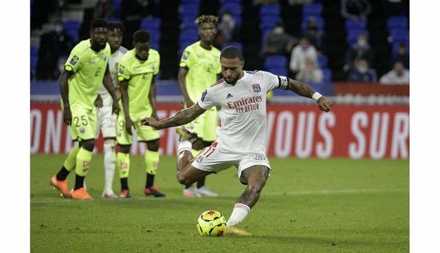 Lyon 4-1 Dijon: Memphis Depay lập hat-trick, Lyon ngược dòng thắng tưng bừng - Ảnh 2.