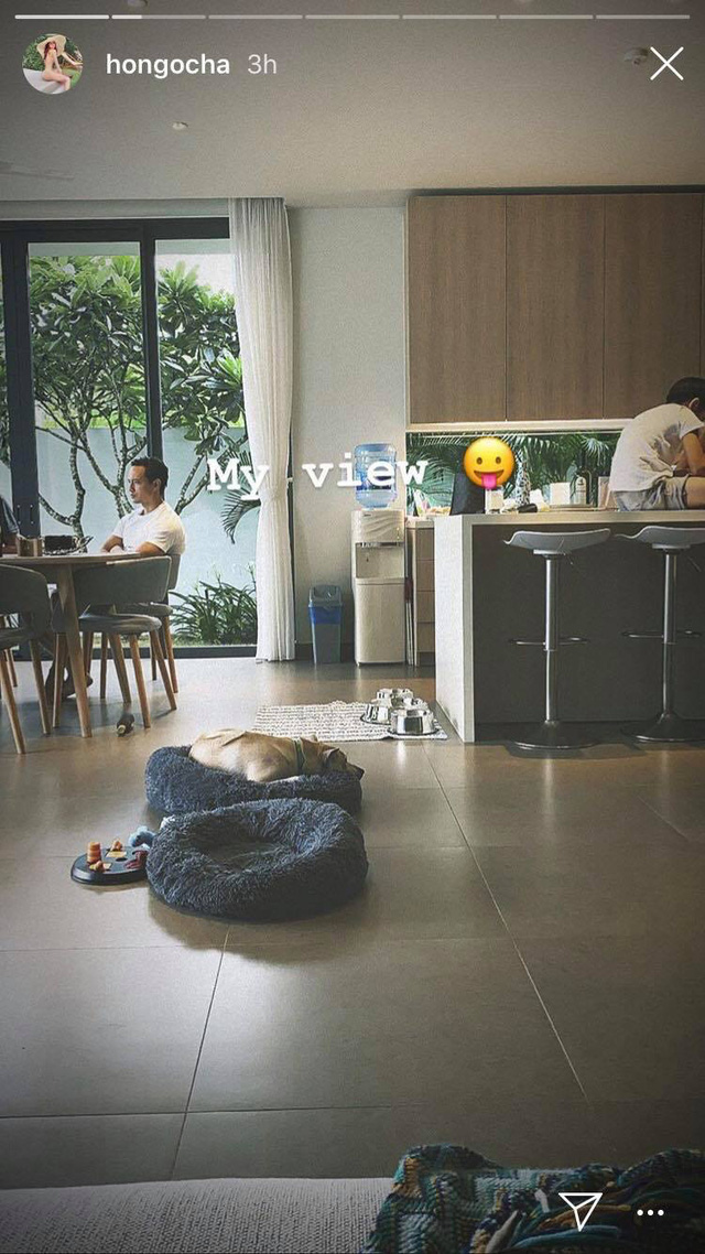 Hồ Ngọc Hà khoe ảnh tình cảm ấm áp với Kim Lý trong ngày mưa - Ảnh 3.