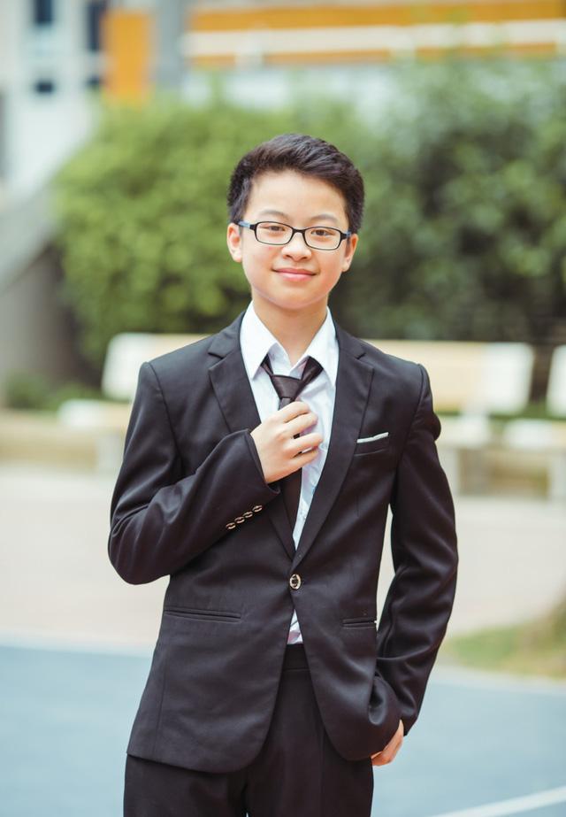 Chàng trai mê Toán học là thủ khoa - á khoa của trường THPT chuyên ở Hà Nội - Ảnh 1.