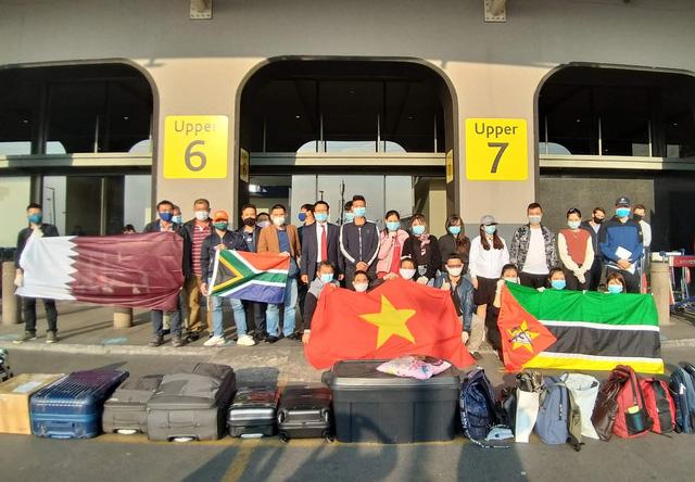 Đưa 140 công dân Việt Nam từ Trung Đông và châu Phi về nước - Ảnh 1.