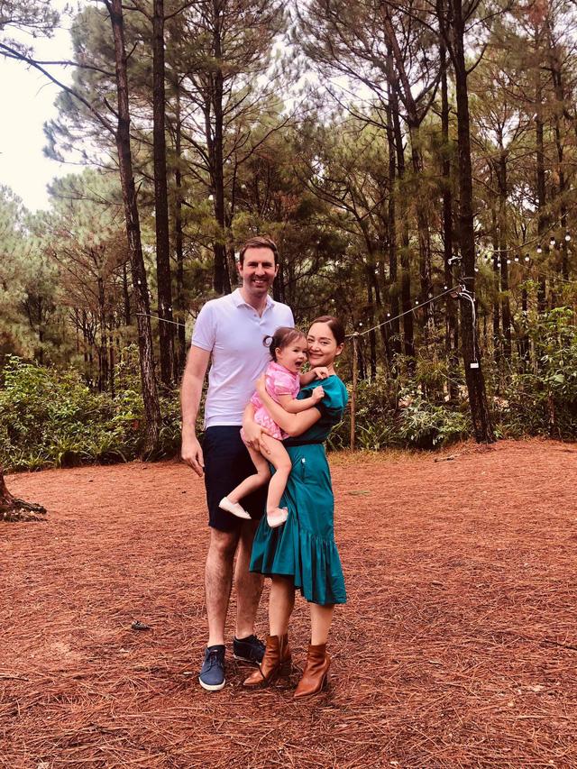 Lan Phương khoe ảnh gia đình hạnh phúc, cuộc sống hôn nhân viên mãn - Ảnh 1.