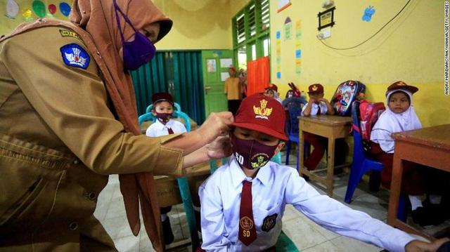 Liên Hợp Quốc cảnh báo thảm họa thế hệ khi đóng cửa trường học vì COVID-19 - Ảnh 1.