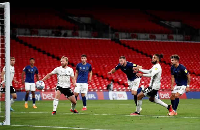 ẢNH: Fulham thắng kịch tính trong trận cầu đắt nhất thế giới - Ảnh 5.
