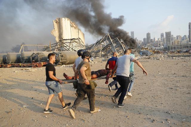 Nổ lớn làm rung chuyển thủ đô Lebanon, 73 người thiệt mạng, hàng nghìn người bị thương - ảnh 3