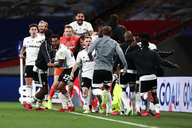 Fulham thắng kịch tính Brentford trong trận cầu 100 triệu bảng ...