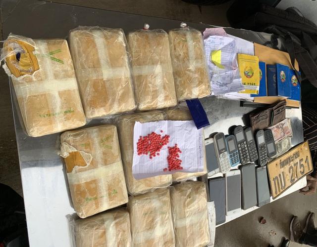 Bắt 5 đối tượng vận chuyển 60.000 viên ma túy tổng hợp từ Lào vào Việt Nam - Ảnh 1.